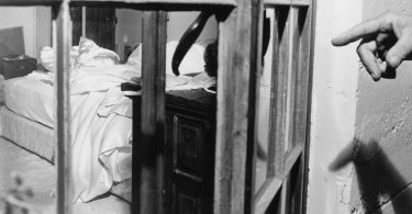 a-fascinating-historical-look-into-marilyn-monroes-death-4-375x195 Fascinating Historical Look Into Marilyn Monroe's Death