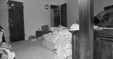 marilyn-bedroom-375x195 A Fascinating Look Back at Marilyn Monroe's Death