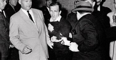 most-notorious-perp-walks-of-all-time-5-375x195 10 Most Notorious Perp Walks Of All Time