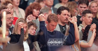 revisiting-the-columbine-high-school-massacre-19-375x195 Revisiting the Columbine High School Massacre
