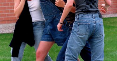 revisiting-the-columbine-high-school-massacre-9-375x195 Revisiting the Columbine High School Massacre