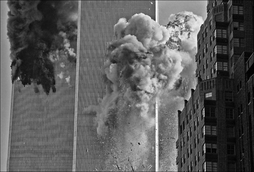 most-poweful-photos-of-the-911-attacks-11-810x547 16 Most Powerful Photos of the 9/11 Attacks
