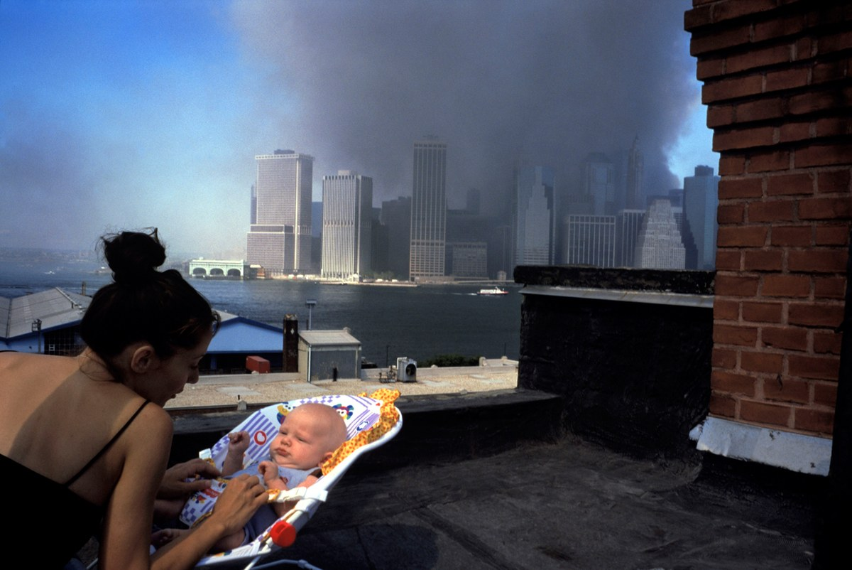 16 Most Powerful Photos Of The 9 11 Attacks True Crime