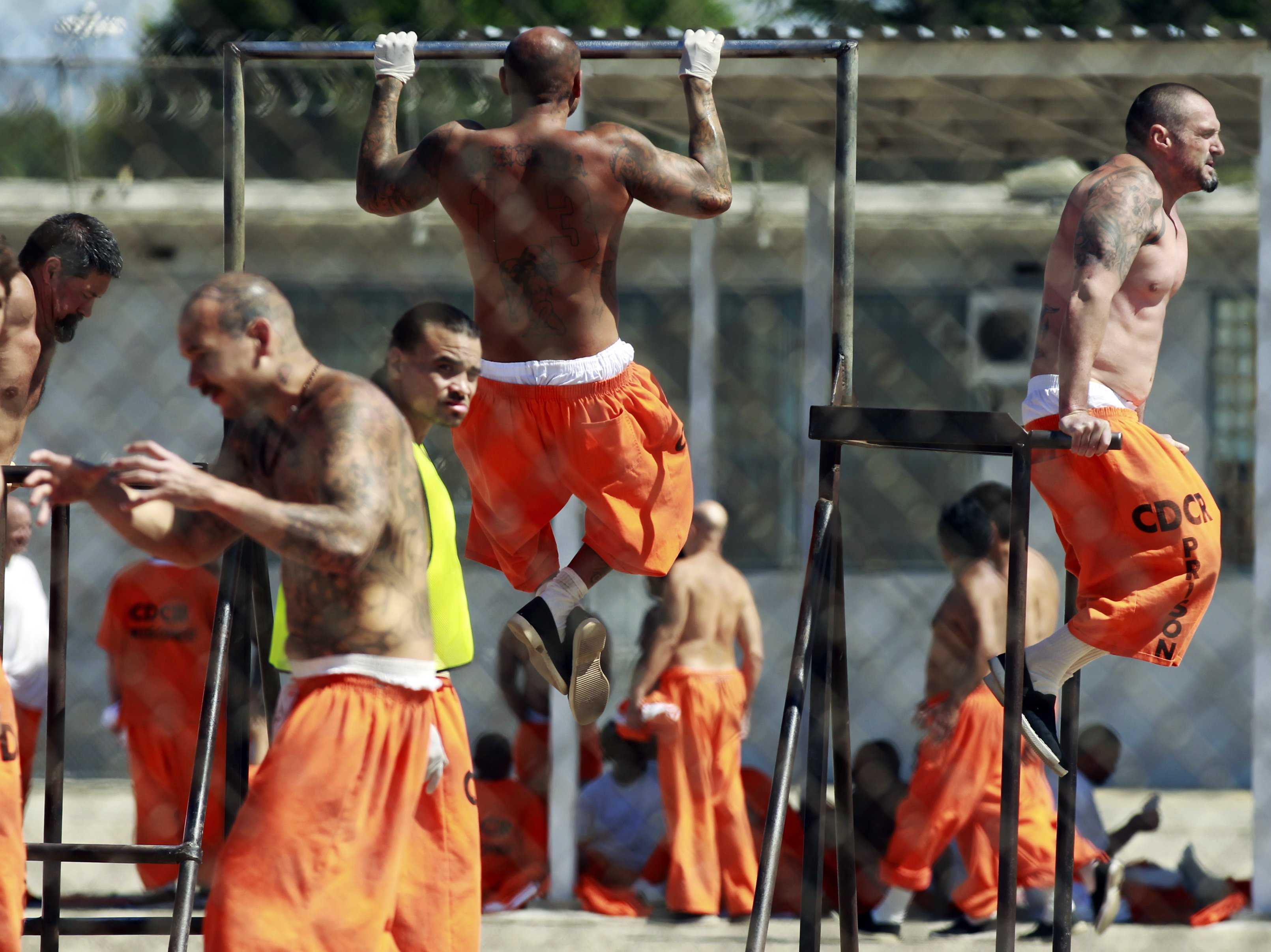 prisoners-exercising An Ex-Con Reveals the Eight Most Important Rules For Surviving in Prison