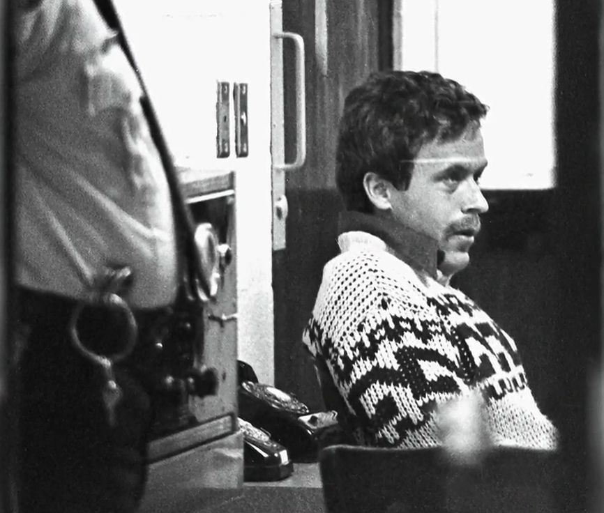 ted-bundy-leon-4 6 Unseen Photos From Ted Bundy's Booking at the Leon County Jail