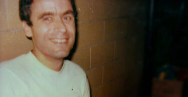 ted-bundy-in-prison-11-375x195 14 Never-Before-Seen Prison Photos of Ted Bundy