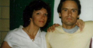 ted-bundy-in-prison-14-375x195 14 Never-Before-Seen Prison Photos of Ted Bundy