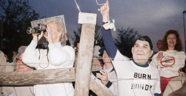 ted-bundys-execution-photos-6-2-375x195 NSFW: A Look Back At Ted Bundy's Execution