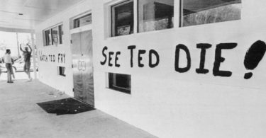 ted-bundys-execution-photos-8-375x195 NSFW: A Look Back At Ted Bundy's Execution