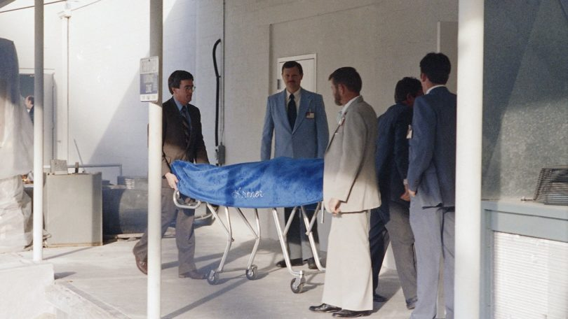 ted-bundys-execution-photos-810x456 NSFW: A Look Back At Ted Bundy's Execution