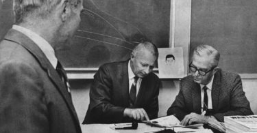 zodiac-killer-investigators-meeting-375x195 Following the Blood-Soaked Footsteps of the Zodiac Killer