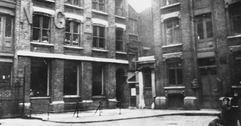 catherine-eddowes-murder-scene-1-810x425 Following the Blood-Soaked Footsteps of Jack the Ripper